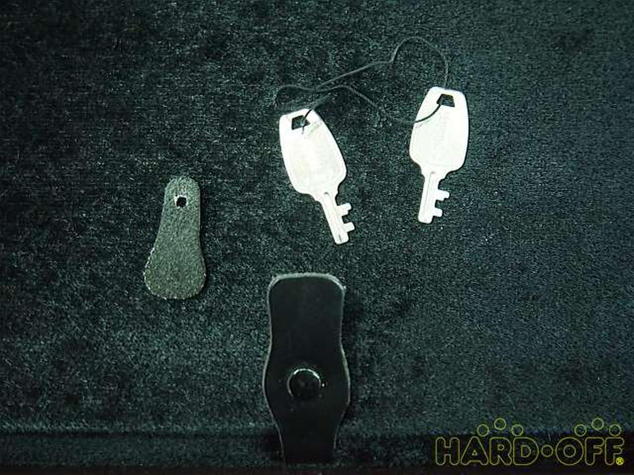 小物入れの留め具破損。鍵×2付属