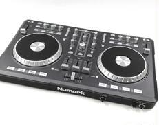 DJコントローラー NUMARK