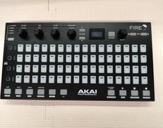 MIDIコントローラー AKAI