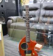 アンプ内蔵ギター FENDER