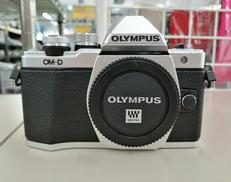 ミラーレス一眼カメラ OLYMPUS