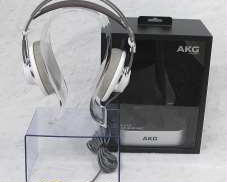 開放型ヘッドホン|AKG