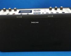 ポータブルCDレコーダー TASCAM