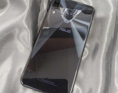 スマートフォン|ASUS
