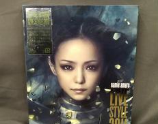 [安室奈美恵の2011年のアリーナから東京公演の模様]|AVEX TRAX