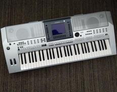 電子キーボード YAMAHA