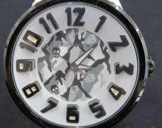 クォーツ腕時計 tendence