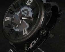 クォーツ・アナログ腕時計 tendence
