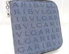 BVLGARI ロゴマニアラウンドファスナー二つ折り財布|BVLGARI