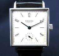 手巻き時計|NOMOS