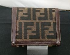 3つ折り財布|FENDI