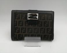 二つ折り財布|FENDI