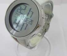 クォーツ・デジタル腕時計|GUCCI