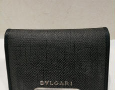 ウィークエンドカードケース BVLGARI