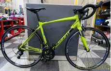鮮やかなライムグリーン系色 楽しいサイクリングにどうぞ♪ GIANT