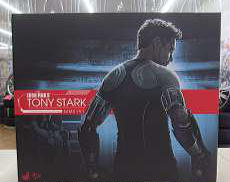 トニー・スターク(開発作業版)|HOT TOYS