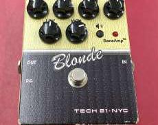 TECH21/BLONDE TECH21
