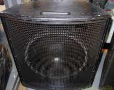 パッシブニアフィールドモニタースピーカー|D&B