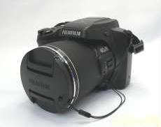 【単三電池式】デジタルカメラ FinePix S8200|FUJIFILM