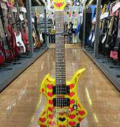 アンプ内蔵ミニギター|BURNY