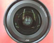 FE 20mm F1.8 Gフルサイズ対応の大口径超広角単焦点レンズ|SONY