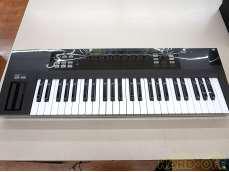 MIDIキーボード NATIVE INSTRUMENTS