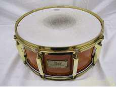 CUSTOM CLASSIC one-piece maple snare PEARL