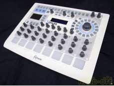 リズムマシン/MIDIコントローラ ARTURIA