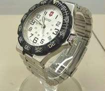 クォーツ・アナログ腕時計 VICTORINOX