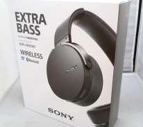 ベースブースターを採用した重低音ワイヤレスヘッドホン|SONY