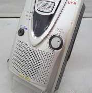 薄型ボディにV.O.Rや録音時間2倍モードなど便利機能を搭載 SONY