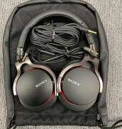 密閉型スタジオモニターヘッドフォン SONY