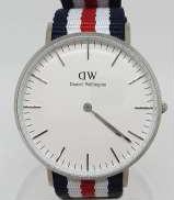 クォーツ・アナログ腕時計|Daniel Wellington