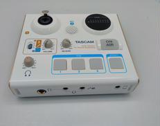 オーディオインターフェース TASCAM