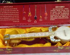 弦楽器 胡西納瓦