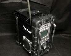 iPodドック搭載充電式ラジオ|MAKITA
