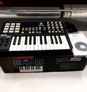 MIDI キーボード|AKAI
