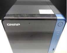 ネットワークストレージ 4TB以上|QNAP
