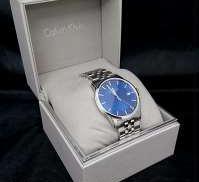 【Calvin Klein クールな腕時計】|CALVIN  KLEIN