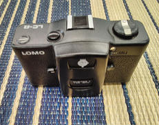 コンパクトフィルムカメラ LOMO