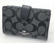 2つ折り財布|COACH