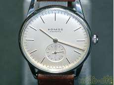 手巻き腕時計|NOMOS
