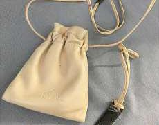 グッチ レザーポシェット 巾着袋型 ネックレス GUCCI