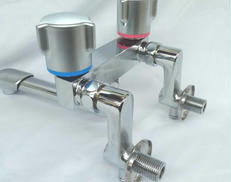 2ハンドル混合水栓|LIXIL
