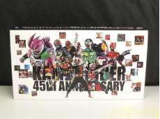 仮面ライダー 生誕45周年記念ソング&変身ベルト型ピンバッジ BANDAI