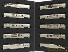 JR東日本 E001形〈TRAIN SUITE四季島〉10両 KATO
