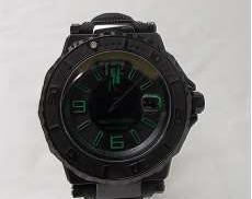 GUESS クォーツ・アナログ腕時計|GUESS