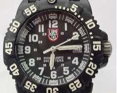 クォーツ腕時計 LUMINOX