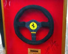 フェラーリ ステアリング|MOMO